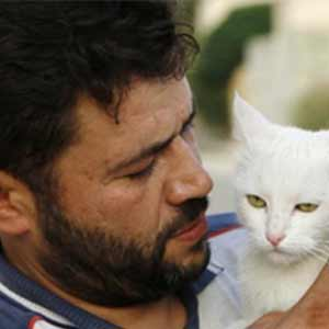 Immagine Alaa-The Cat man of Aleppo